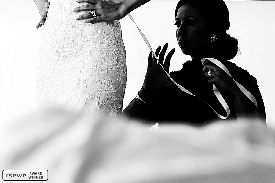 Wedding Photography Contest Winner - 1st Place: GETTING READY - Emin Wedding Photography