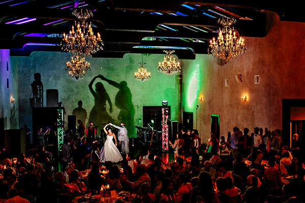 Wedding photography contests - Winter 2011 - 19th Place, Caroline Studios