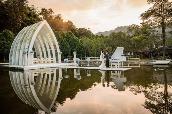 Best wedding photographers in : Arlene Wedding