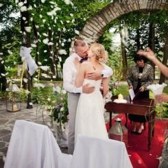 International Society of Wedding Photographers blog - Real Wedding   Manor House Chlewiska, Poland   Poland Wedding Photographer Monika Stachura